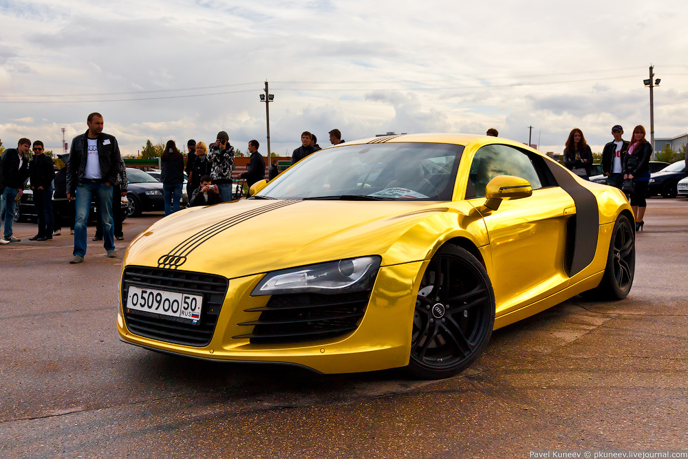 Audi 2013 Matte Gold R8 Spyder Photos Drive Away 2day