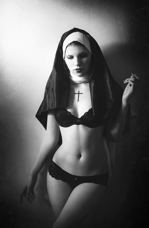 Aerium. Спор семи смертных грехов. Монашка. Манящий ужас.