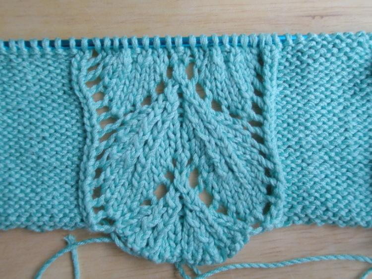 вязаное платье спицами. вязание крючком туники схемы и модели.